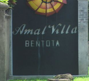 Schild - Strassenseite Amal Villa