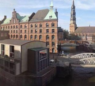 Fantastischer Blick vom Zimmer AMERON Hotel Speicherstadt Hamburg