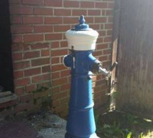 Schwarzbier aus dem Hydranten (zur Grillsession) Hotel zum Friedl