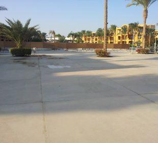 Gesperrter Hauptpool Stella Di Mare Beach Resort & Spa Makadi Bay