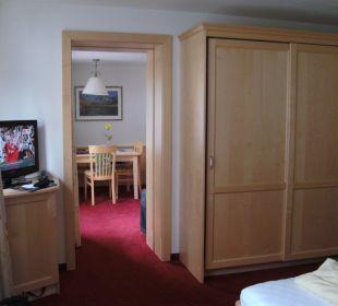 Blick vom Eltern- ins Kinderzimmer  Hotel Silbertal