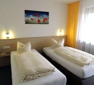 Zweibettzimmer mit Betten in Überlänge Faxe Schwarzwälder Hof Waldulm