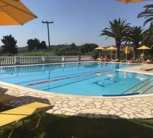 Pool Hotel Paradise Corfu