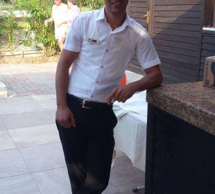 Ozour, super Kellner in den a la carte Restaurants Adalya Art Side/Artside