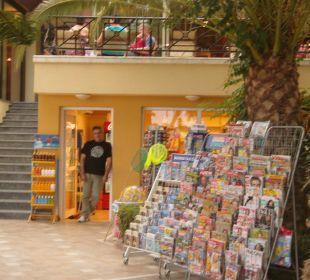 Kiosk und netter Verkäufer Vantaris Beach Hotel
