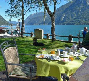 Frühstück im Garten am See Hotel Travel Charme Fürstenhaus Am Achensee