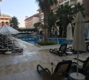 Relaxpool Hotel Side Crown Palace