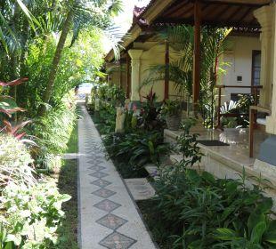 Weg entlang  Bungalows Nusa Indah Bungalows & Villa