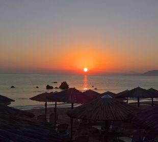 Sonnenaufgang am Hotelstrand Hotel Corissia Princess