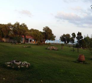 Gartensicht auf Beach Bar Hotel Louis Zante Beach