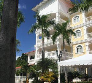 Hauptgebäude Luxury Bahia Principe Cayo Levantado Don Pablo Collection
