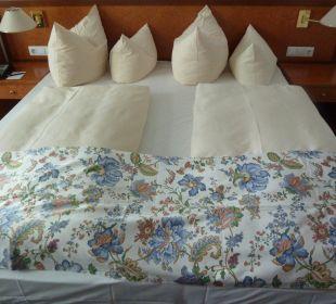Кровать Hotel Alexander am Zoo