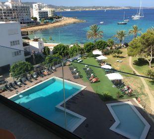 Pool vom Zimmer aus mit herrlichen Ausblick Hotel Abrat