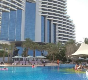 Exterior pool and hotel veiw Hotel Le Meridien Al Aqah Beach Resort