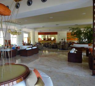 Lobby Secrets Royal Beach Punta Cana