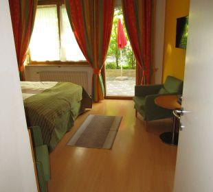 Blick in das Zimmer vom Eingang aus Hapimag Resort Merano