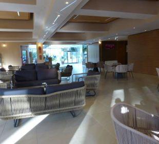 Sehr großzügige Lobby Park Hotel Marinetta