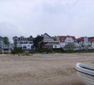 Blick vom Strand auf Hotel Panorama Hotel Bansin