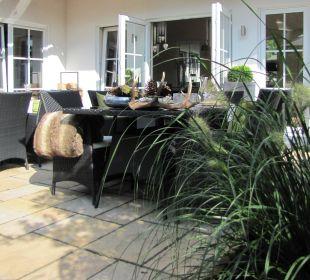 Sonnige Frühstücksterrasse Country-Suites Landhaus Dobrick Am Schultalbach