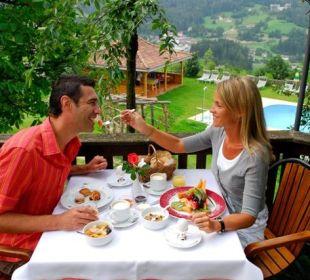 Frühstück im Garten Silence & Schlosshotel Mirabell