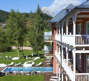 Garten mit Pool Das Hotel Eden