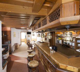 Familiensuite Tirol (98 m2) Küche mit Bar Angerer Familienappartements Tirol