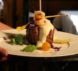 Steaks im hauseigenen Steakhaus Schusterhäusl Funsport-, Bike- & Skihotelanlage Tauernhof