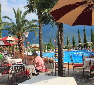 Pool mit Terrasse Hotel Caravel