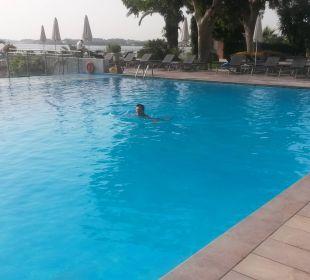 Bis 9 Uhr meistens Leer. Kontokali Bay Resort & Spa