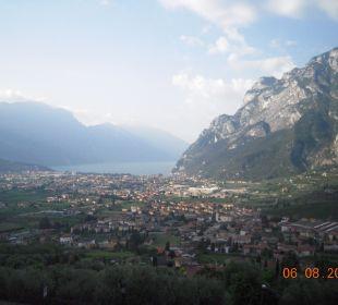 Blick auf Riva und den Gardasee Hotel Agritur Acetaia Gourmet & Relax