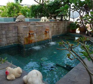 """Whirlpool im """"Gartendschungel"""" Hotel Siam Heritage"""