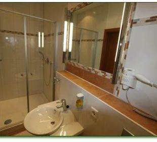 Zimmer Nr. 4 & 9 - Badezimmeransicht Hotel Haus Hillesheim