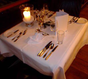 Der gedeckte Tisch für 2 Hotel Zinnkrügl