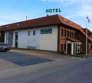 Hotelansicht,hinten die Parkplätze Hotel Nussbaumhof