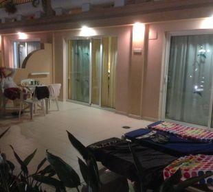 Große Terrasse beim Familienzimmer Hotel Mirador Maspalomas Dunas