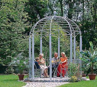 Pavillon im Garten Ferienwohnungen & Pension Domicil am Stadtpark