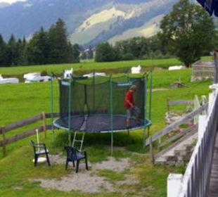Trampolin für die Kinder Gasthof Schwabenhof