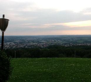 Blick von der Terrasse  Burghotel Staufeneck