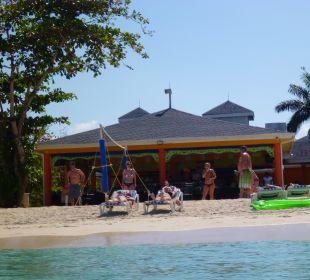 Bar/Restaurant vom Strand aus fotografiert