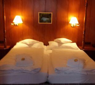 Bett in Niesche,sehr gut gelegen auf der Matratze Romantik Hotel Sonne