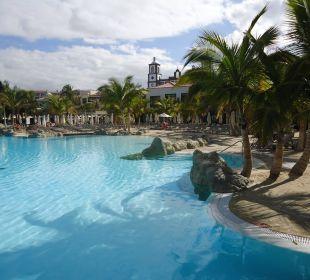 Großer Pool mit Strand Lopesan Villa del Conde Resort & Spa