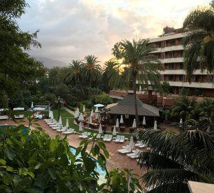 Ausblick Zimmer 153 auf Poolbar Hotel Botanico