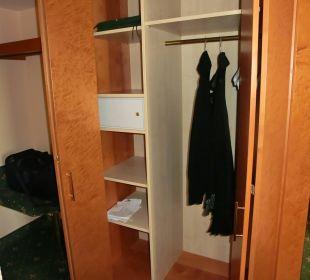 Kleiderschrank Ringhotel Roggenland