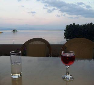Hotelbar im Garten Hotel Elea Beach