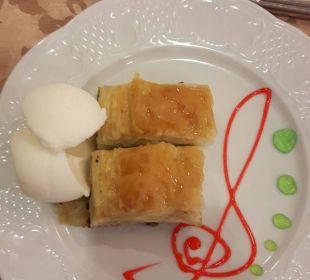 Dessert osmanisches Restaurant Adalya Art Side/Artside