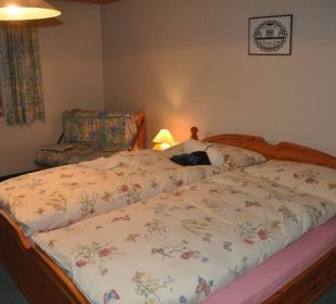 Doppelzimmer mit ausziehbarer Couch