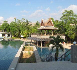 Große Poolanlage Hotel Mukdara Beach Villa & Spa Resort