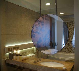 Schönes integriertes Bad Hotel Harbour Grand Hong Kong