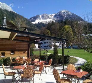 Cafe-Terrasse Alm- & Wellnesshotel Alpenhof
