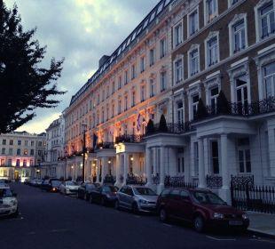 Abends vor dem Hotel K+K Hotel George